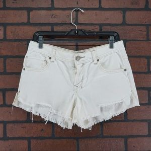 FREE PEOPLE White Button Fly Fray Hem Cutoffs 27
